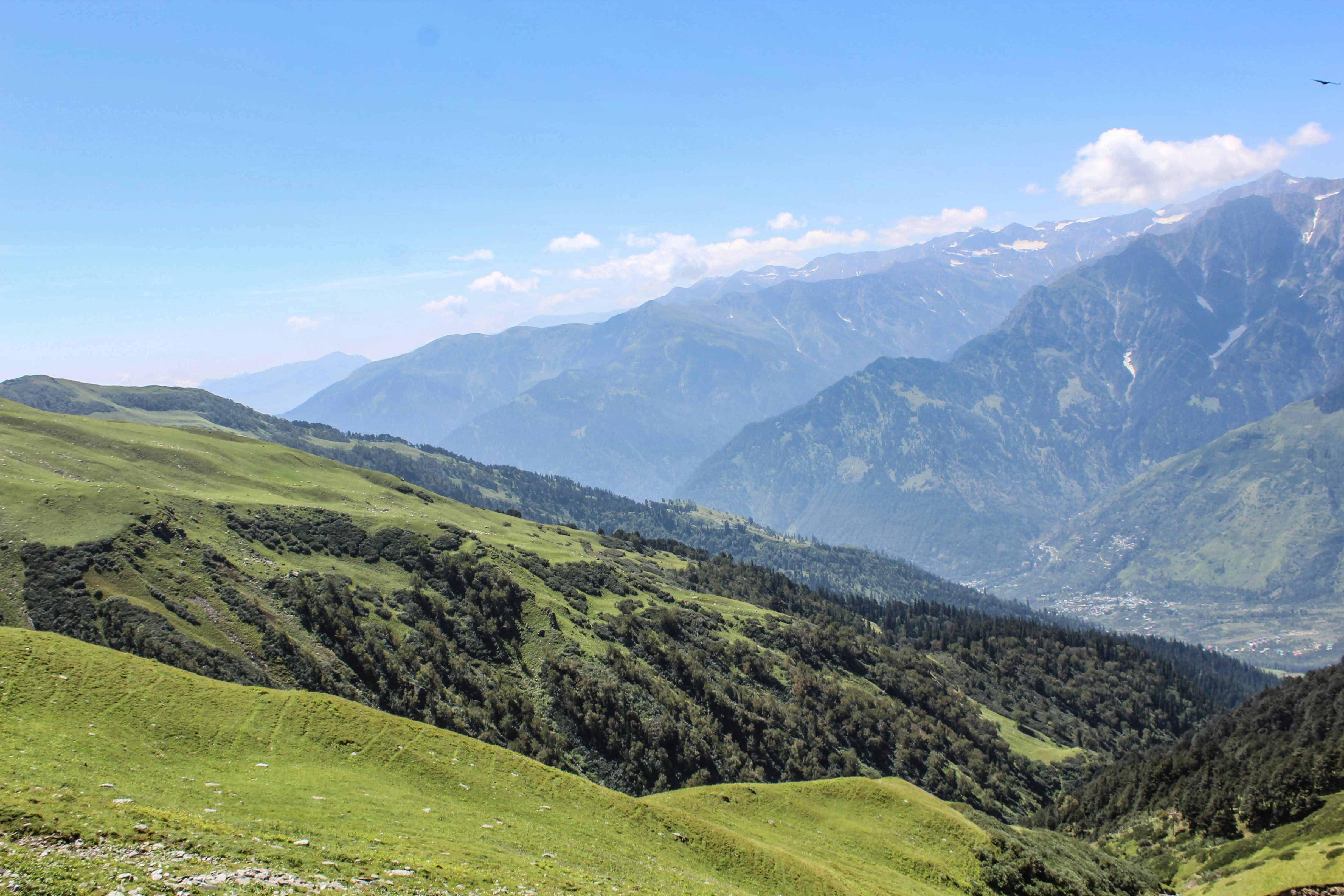 Beautiful landscape on Bhrigu Lake trek