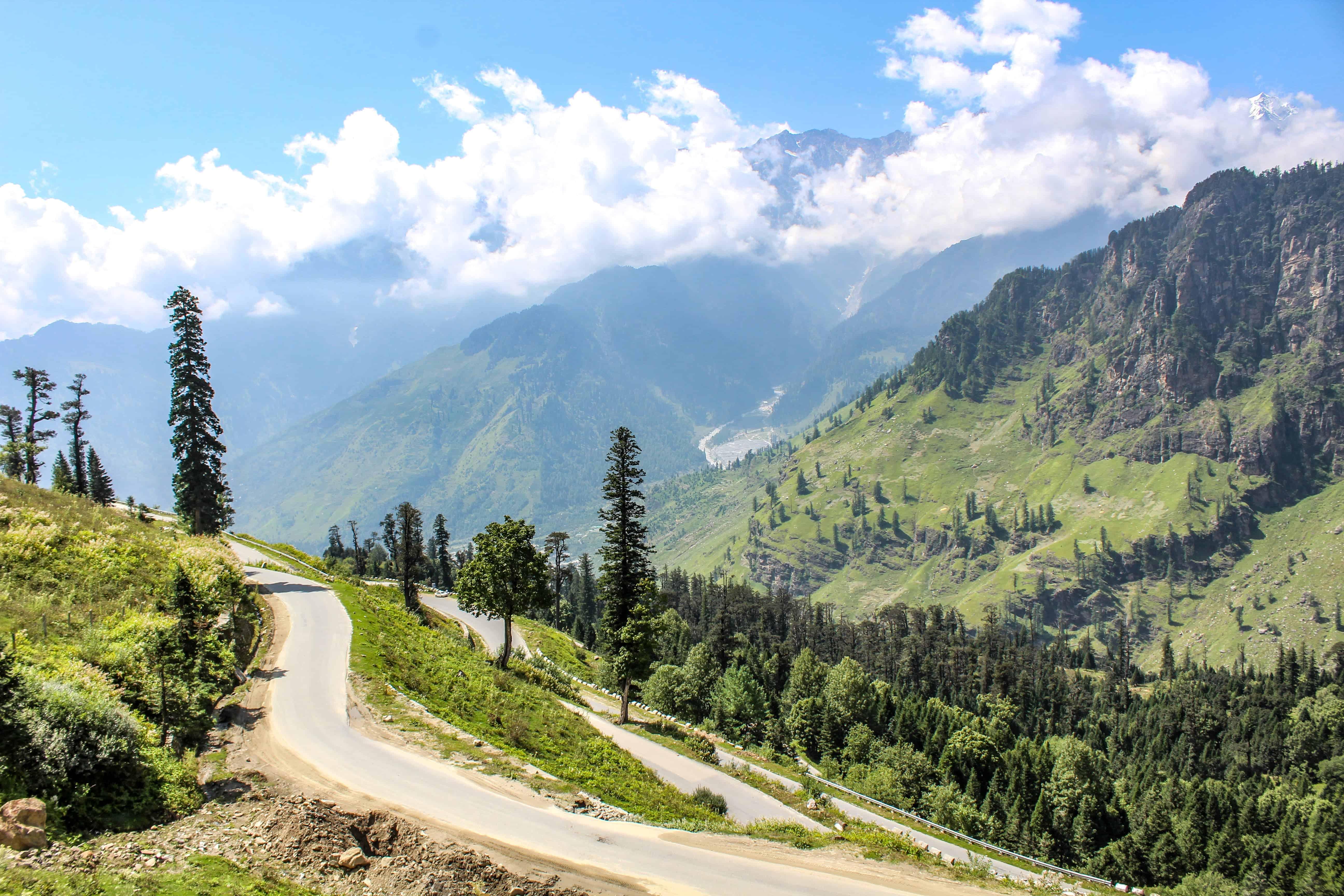 Rohtang-Gulaba road