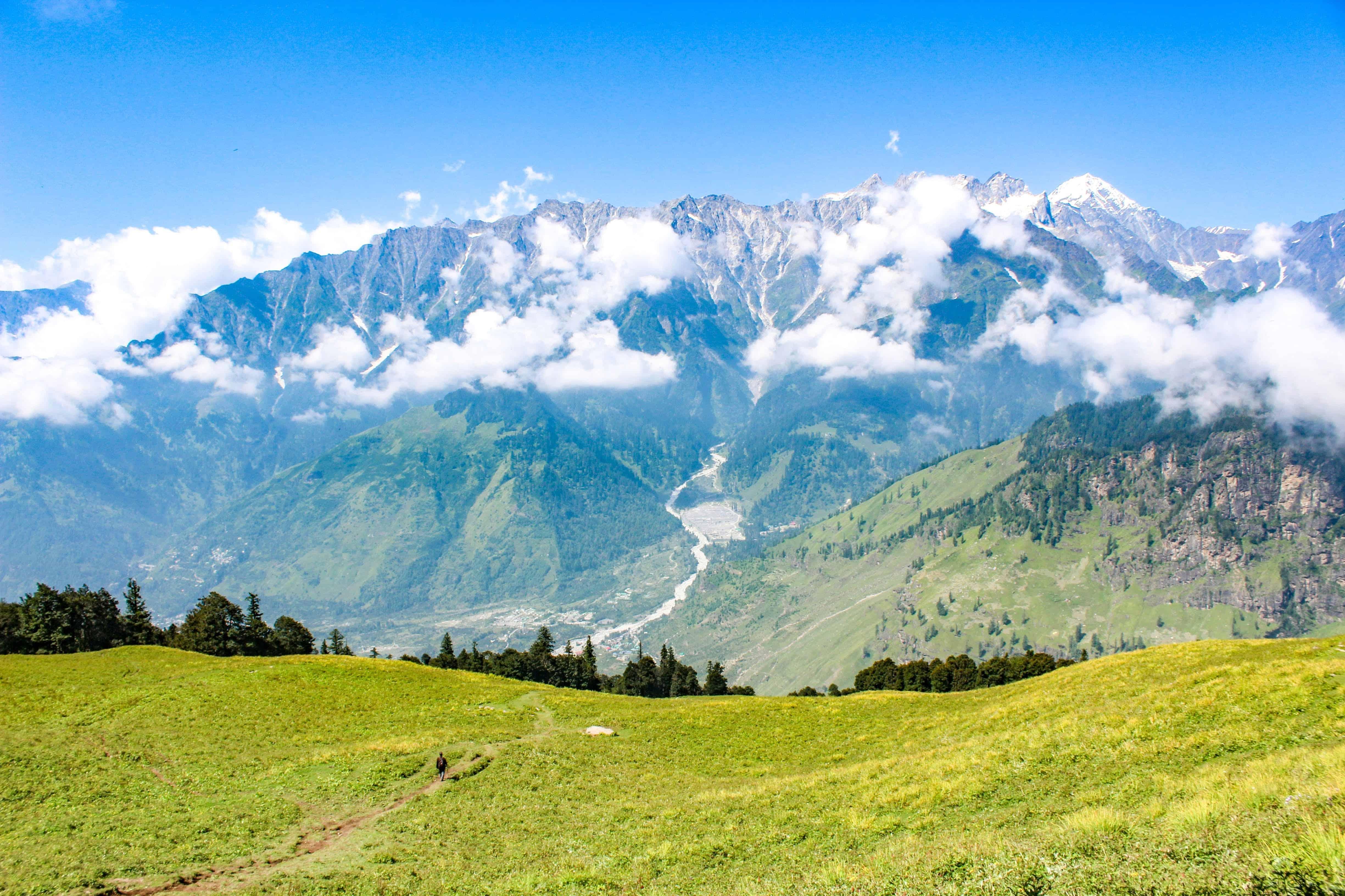 Majestic views of Pir pinjal and Dauladhars ranges along Bhrigu Lake trek